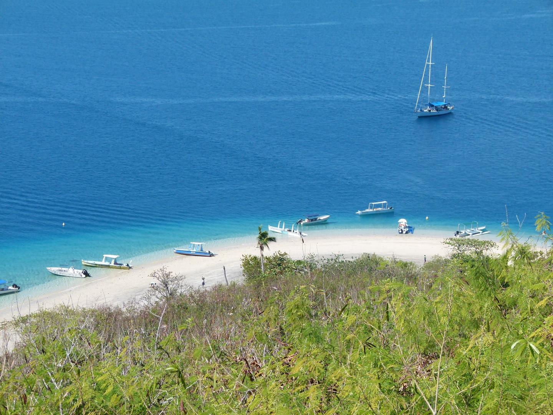 Nosy Tanikely beach