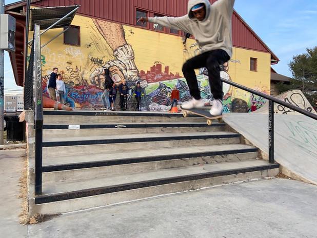 Olu Skate Boarding
