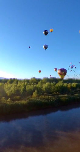 Balloon Fiesta Splash & Dash