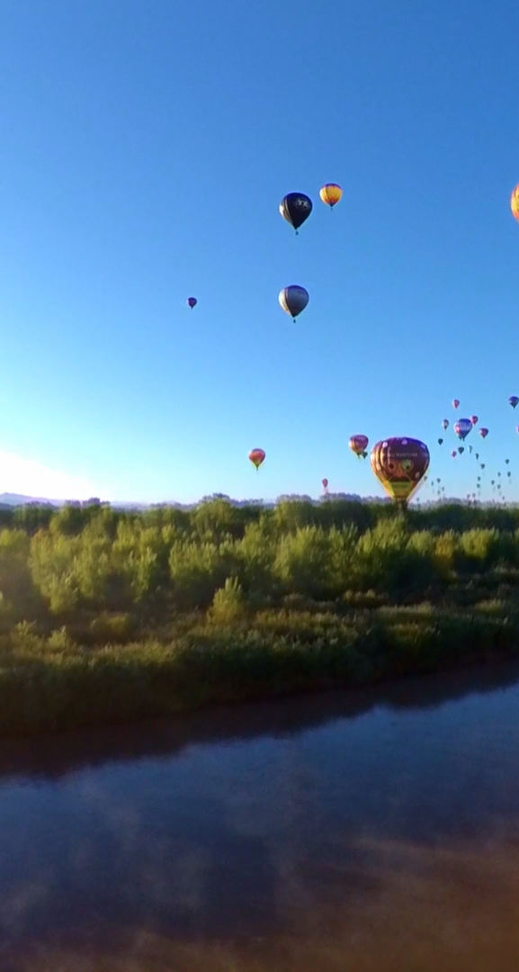 Balloon Fiesta Splash & Dash