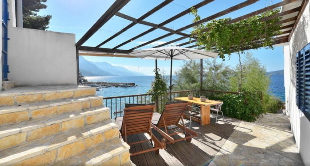 The Beach house Croatia terrace2.jpg