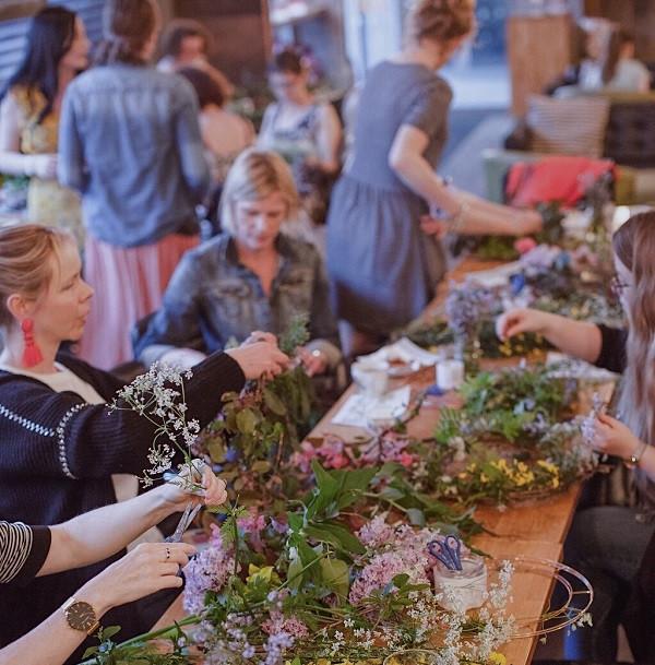 ALT=photo of wreath making workshop