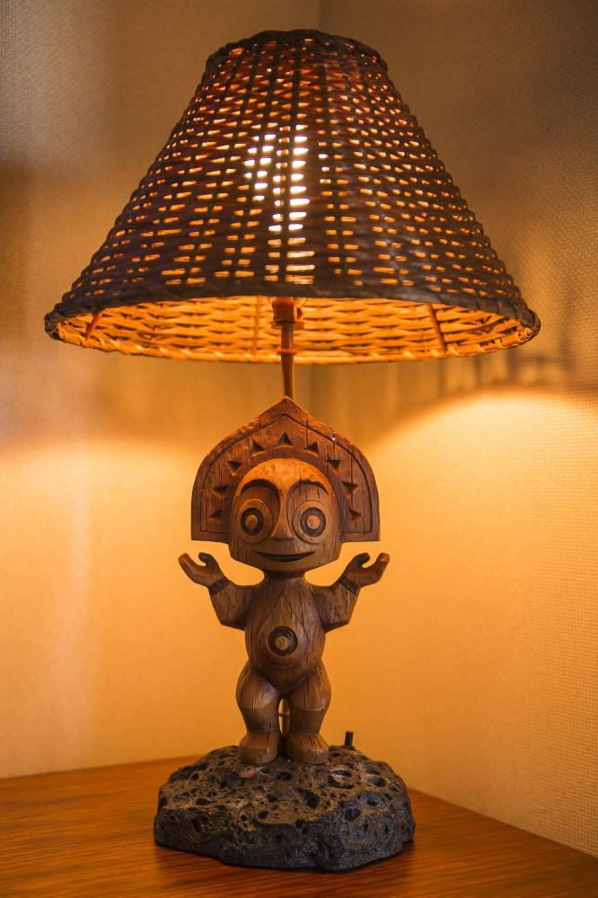 Disney-Polynesian-Resort-Village-Tiki-Lamp