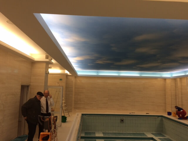 LED osvětlení bazénu v hotelu Hvězda