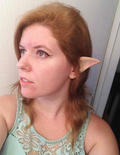 Curved elf ears