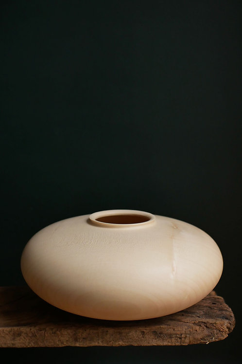 Large Sycamore Pebble Vessel