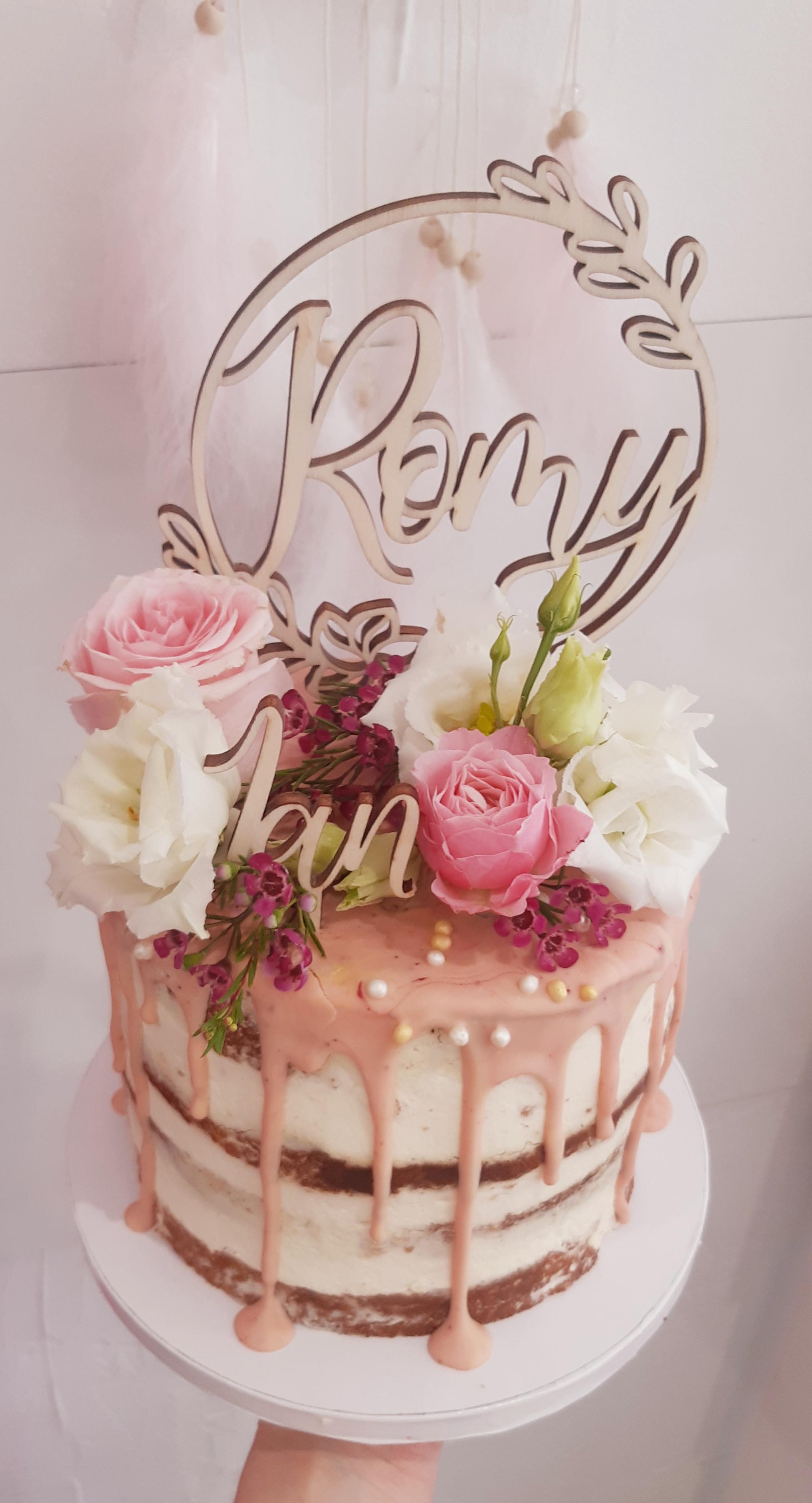 Drip cake flowers