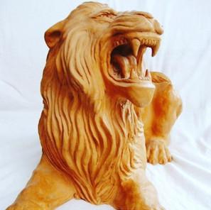 leone in terracotta.jpg