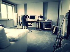 Studio 1.