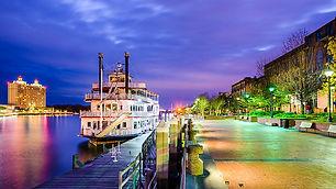 georgia-savannah-river-promenade-night.j