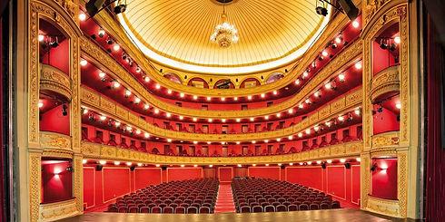 θέατρο.jpg