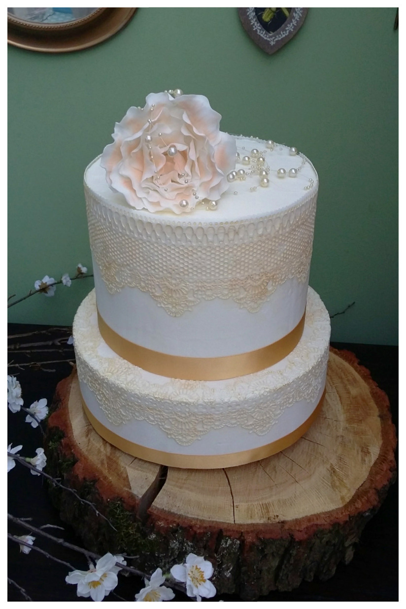 Pale Gold Lace and Peony