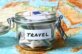 Travel budget - vacation money savings i
