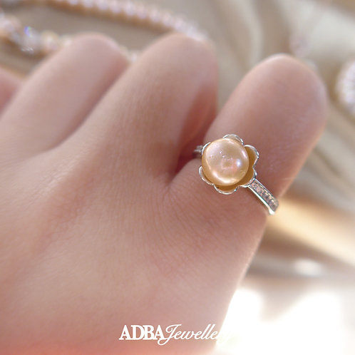 花花淡橙色淡水珍珠介指 Flower Light Orange Fresh Water Pearl Ring