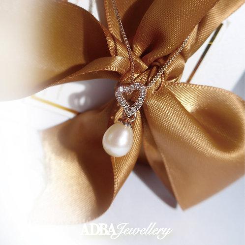 心心皓石淡水珠項鏈 Heart Shape Fresh Water Pearl Necklace with Zircon