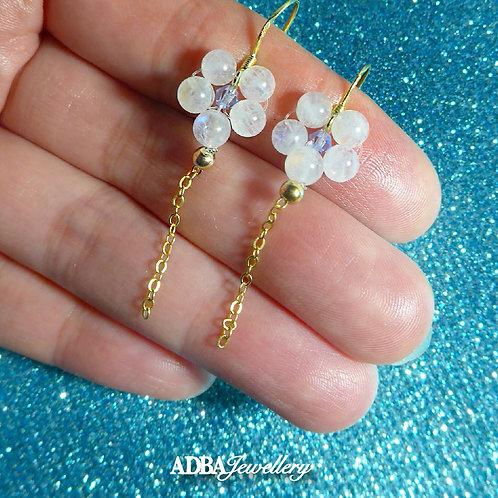 月亮石花開長耳環 Moonstone Blossom Earrings