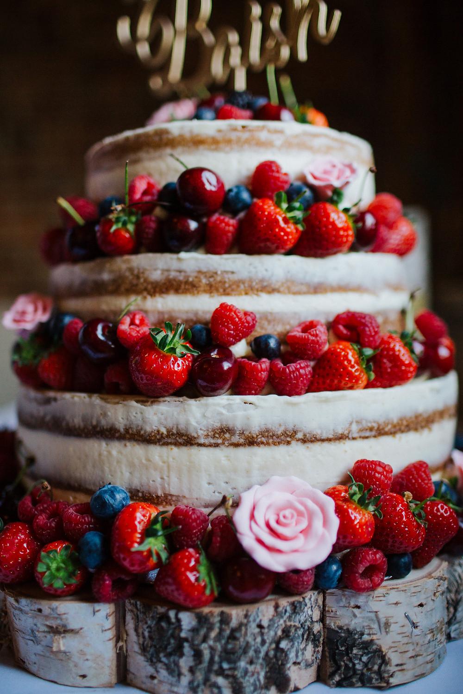 summer-fruit-wedding-cake