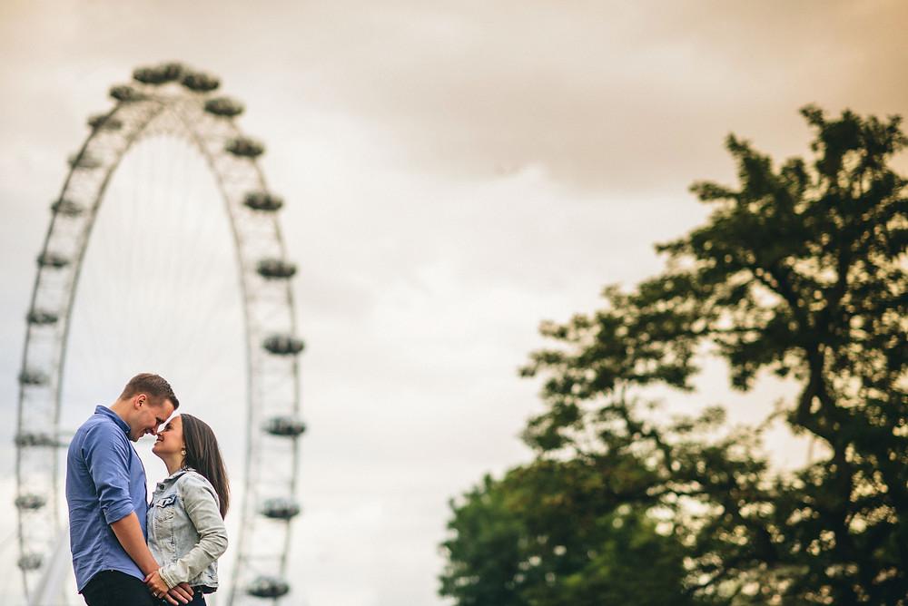 wedding couple in London photo shoot