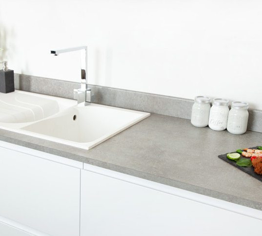 empire-slate-worktop-in-kitchen.jpg