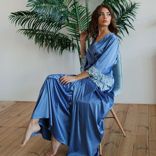 Piękny długi niebieski szlafrok z haftem, Luksusowa bielizna dla każdej kobiety