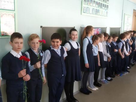 Торжественная линейка для начальных классов