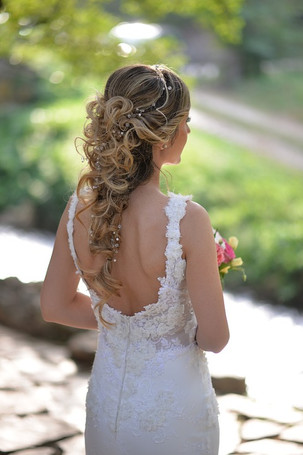 5 Tips for an Amazing Wedding Day Hair