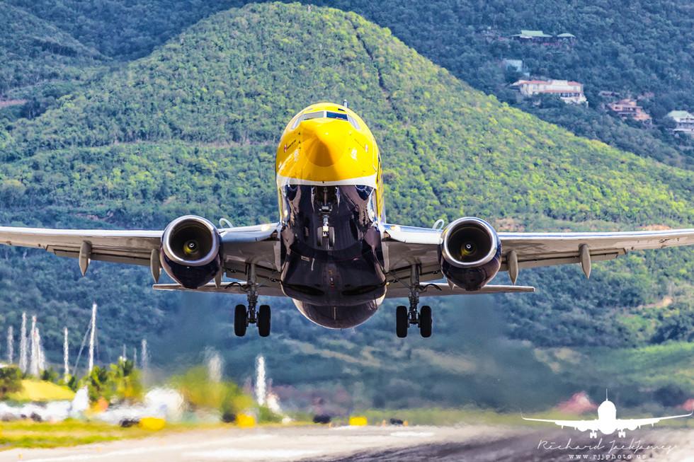 Air Transat B737-700