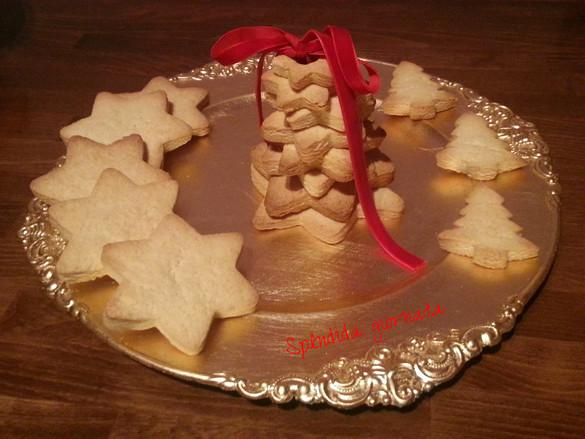 Biscotti alla panna per una colazione natalizia
