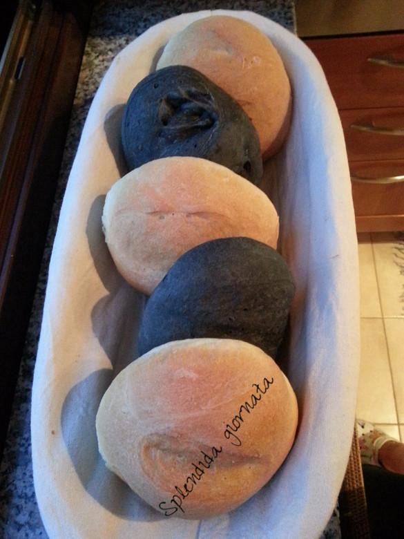 Pane e pizza nera...al carbone vegetale