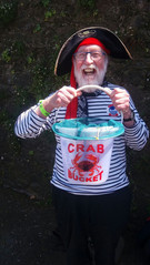 Gopher catching crabs