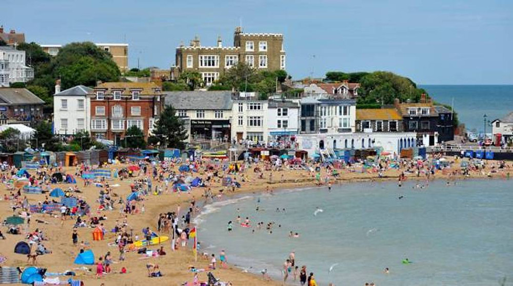 Broadstairs is smaller than Margate, but also prettier and more popular.
