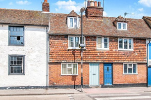 A guide to choosing your second year house in Canterbury