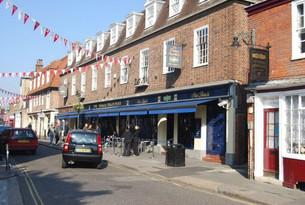Thomas Ingoldbsy pub closes for refurbishment