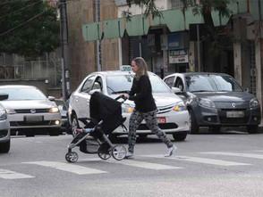 Embora seja lei, dar prioridade ao pedestre é atitude de uma minoria em BH