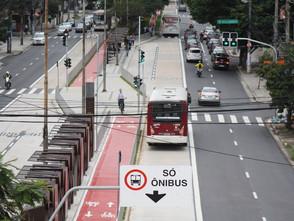 Maioria aprova faixas exclusivas para ônibus em SP, aponta pesquisa Ibope