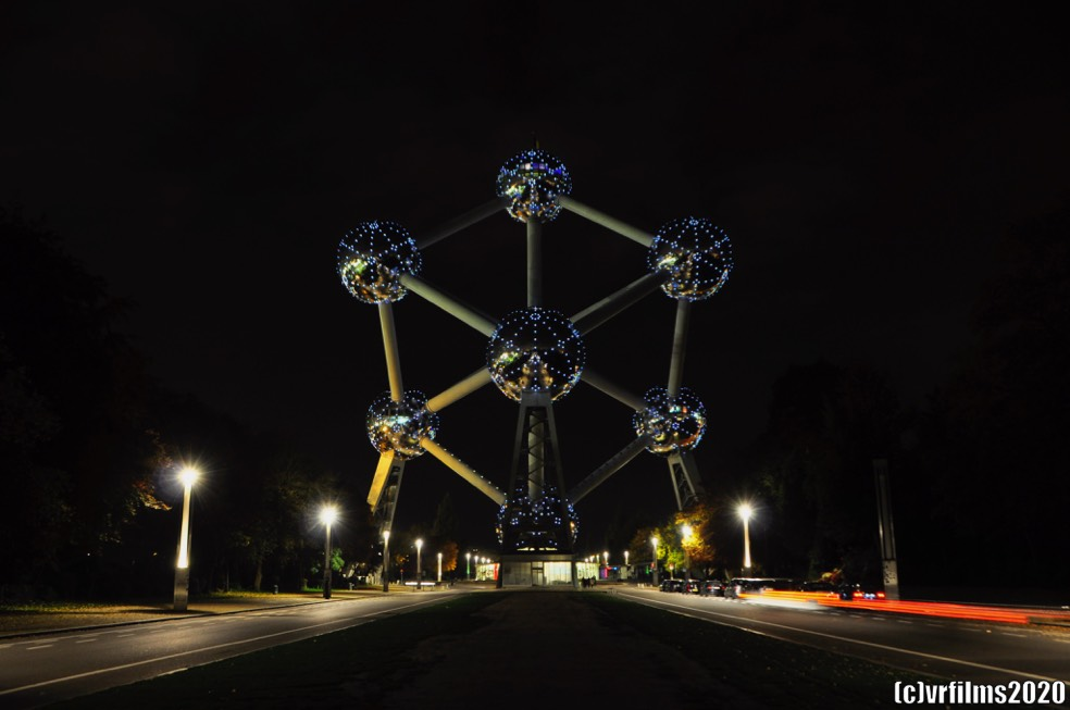 Atomium By Night