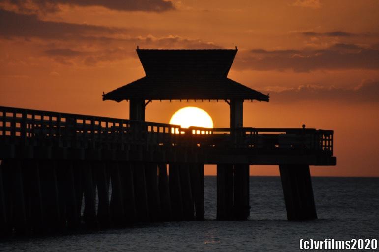 Sun Set Naples