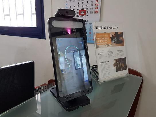 supertech tvcc - tablet per il riconoscimento facciale della temperatura corporea