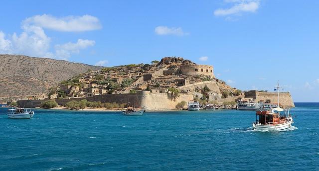 Spinalonga - widok na wyspę z Krety