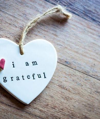 wooden_heart_i_am_grateful-696x464.jpg