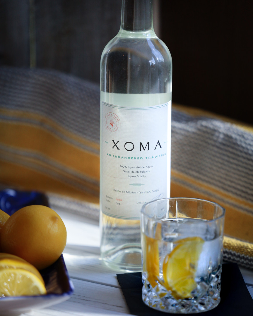 Drink Xoma on Ice with Lemon
