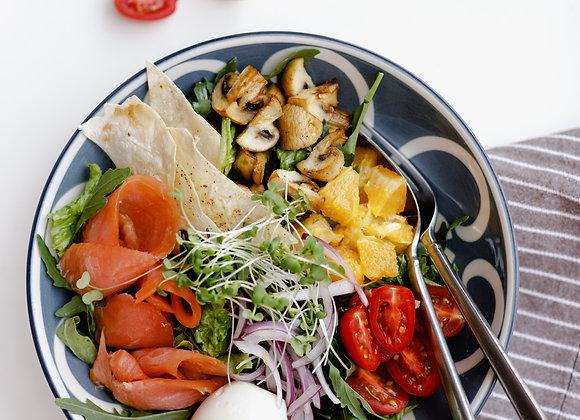 Боул салат с лососем и апельсином