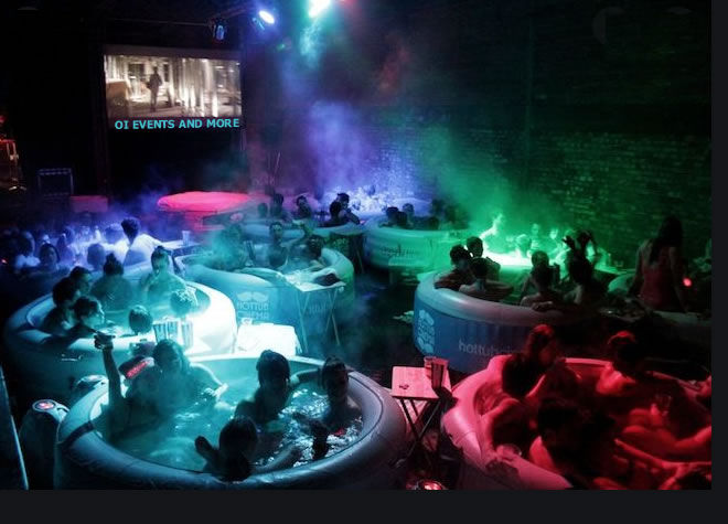 Jacuzzi Cinema Party ®