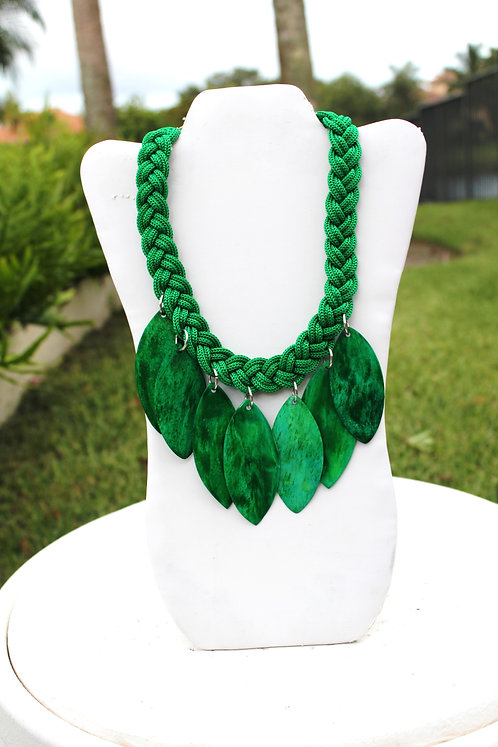 Lime Wooden Cutlet Necklace