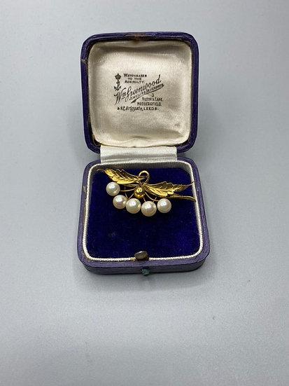 Gold & Pearl Brooch