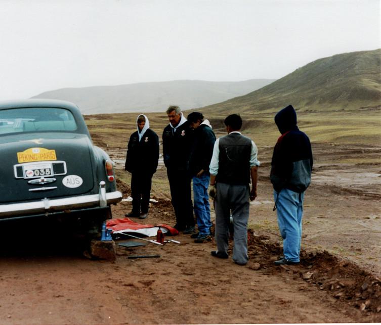 11 P2P Broken upper leafspring on Tibetan Plateau.