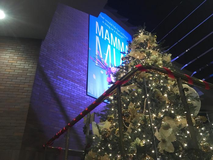 A Christmas Carol Rings in the Holiday Season
