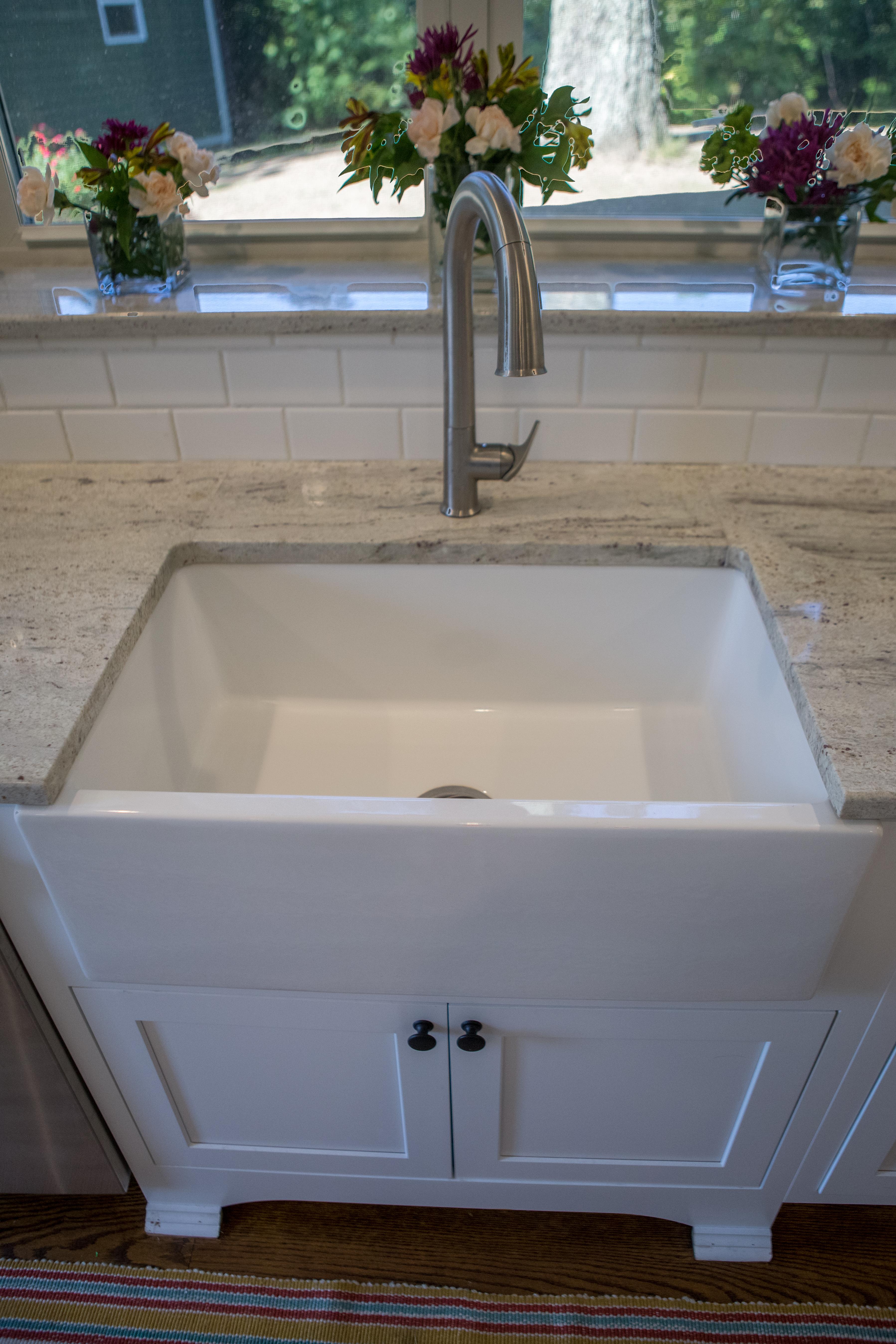 Apron Sink Detail