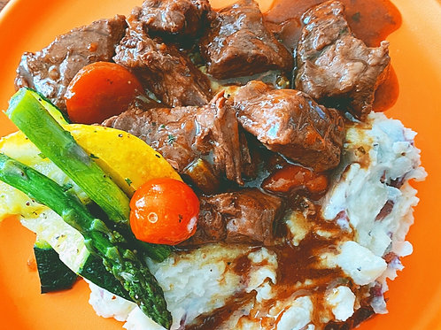 Braised Beef w/Mashed Potatoes