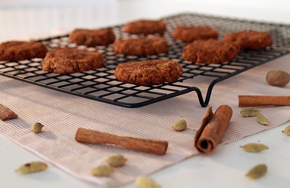 Biscoitos sem gluten sem lactose especiarias canela receita